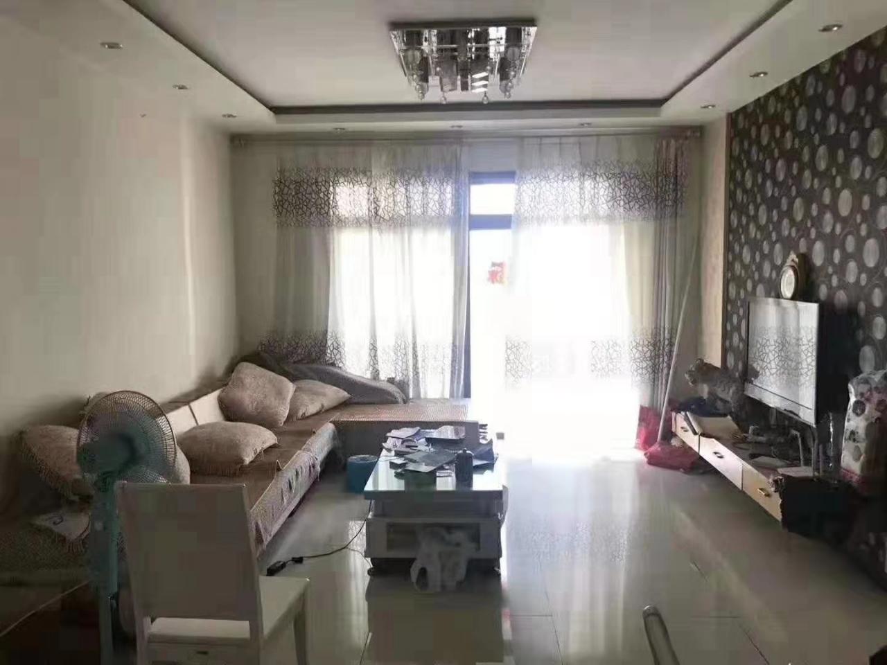 陽光大院3室 2廳 1衛59.8萬元