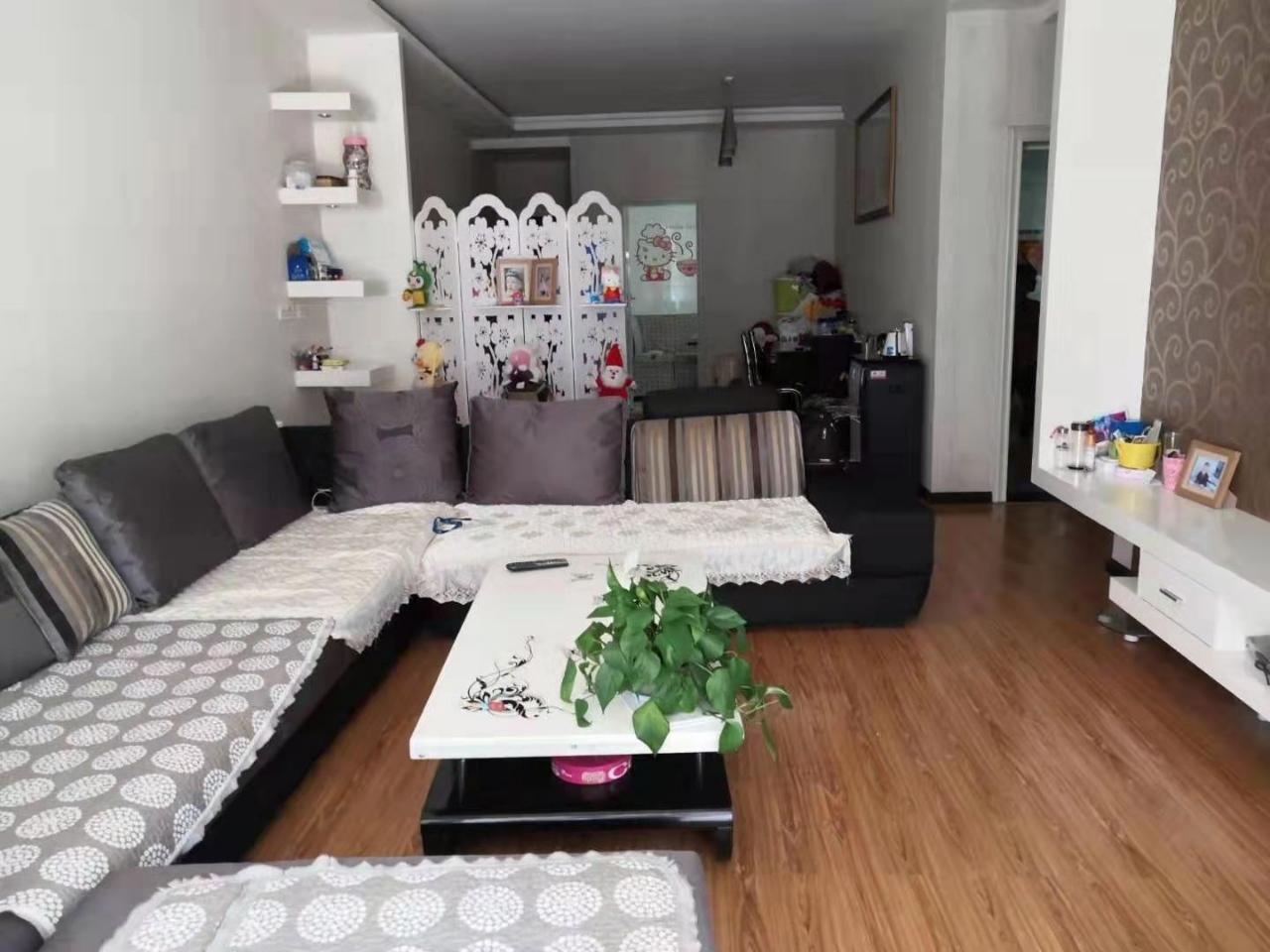 七星小区125平方精装房4700元每平方