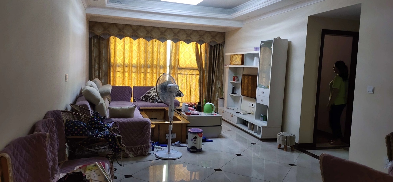 東風路學區房精裝修3室 2廳 1衛52.8萬元