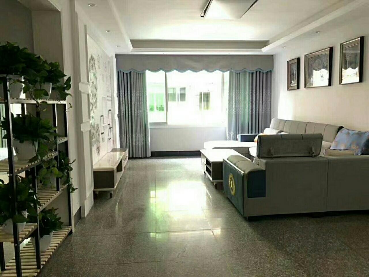 义园街3室 2厅 2卫52.8万元
