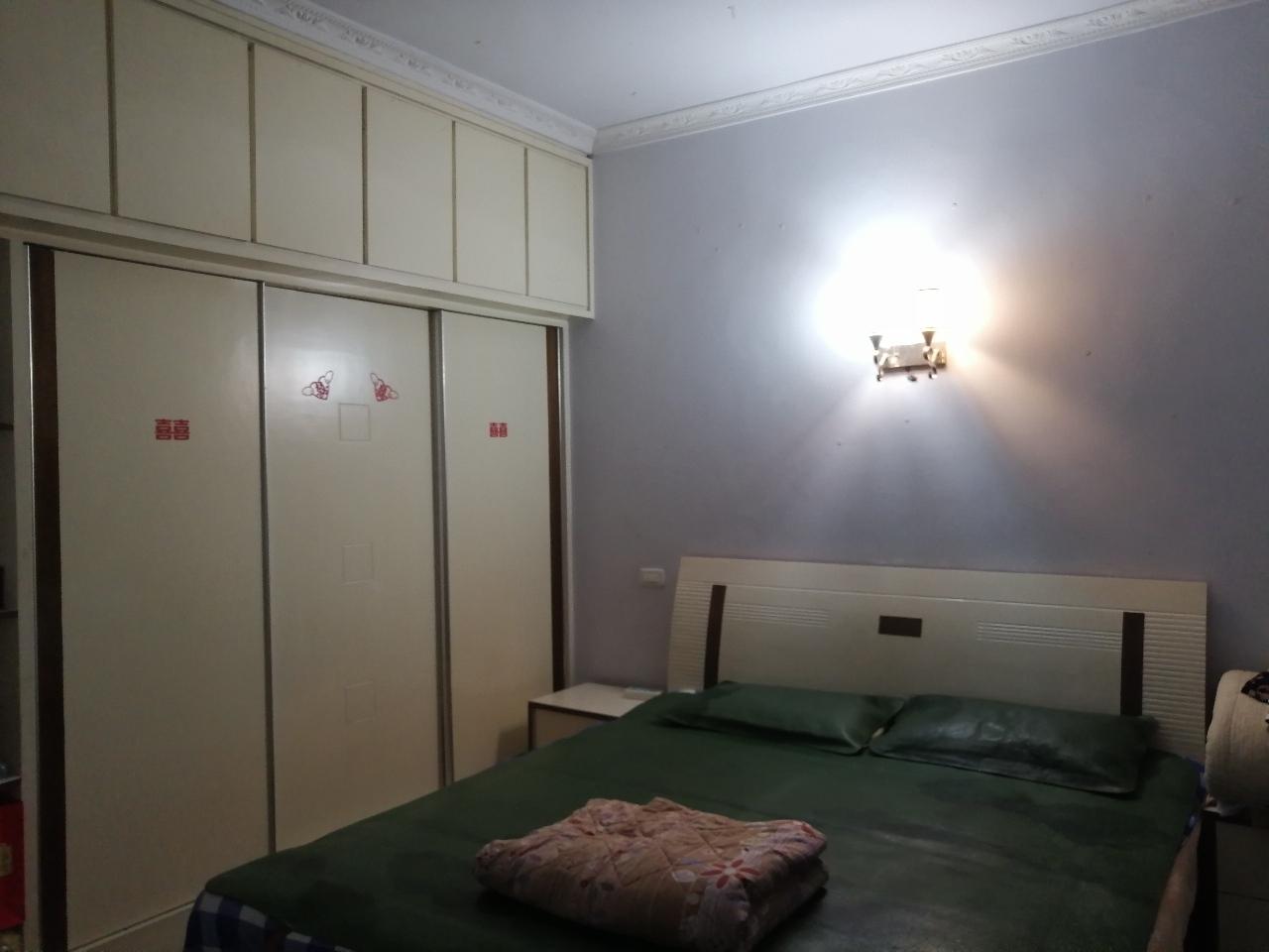 宏福附近3室 2廳 1衛52.8萬元