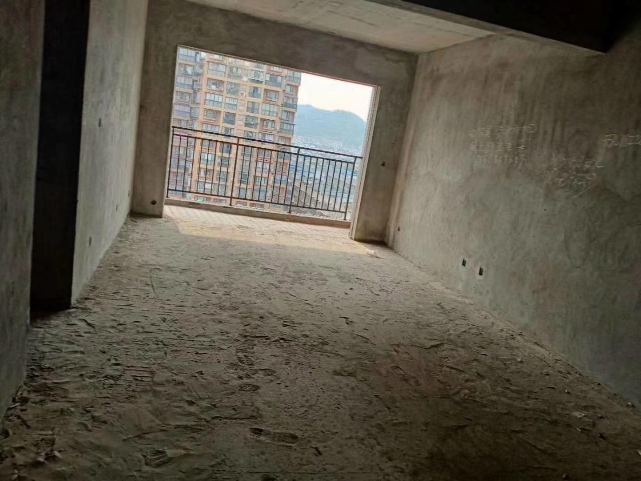 佳和世纪城电梯可按揭3室 2厅 2卫
