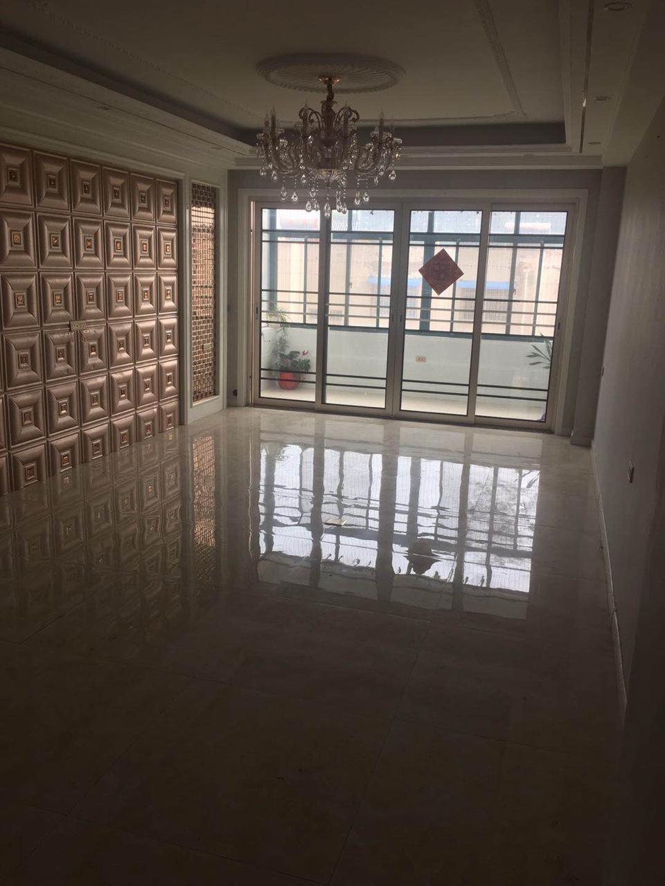 紫金小區3室 2廳 2衛52萬元