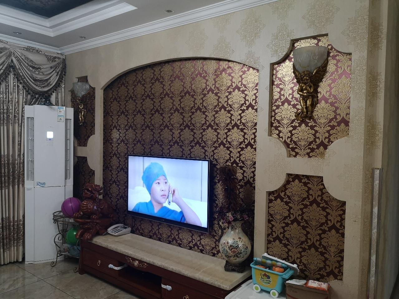 香江豪园3室 2厅 2卫68万元