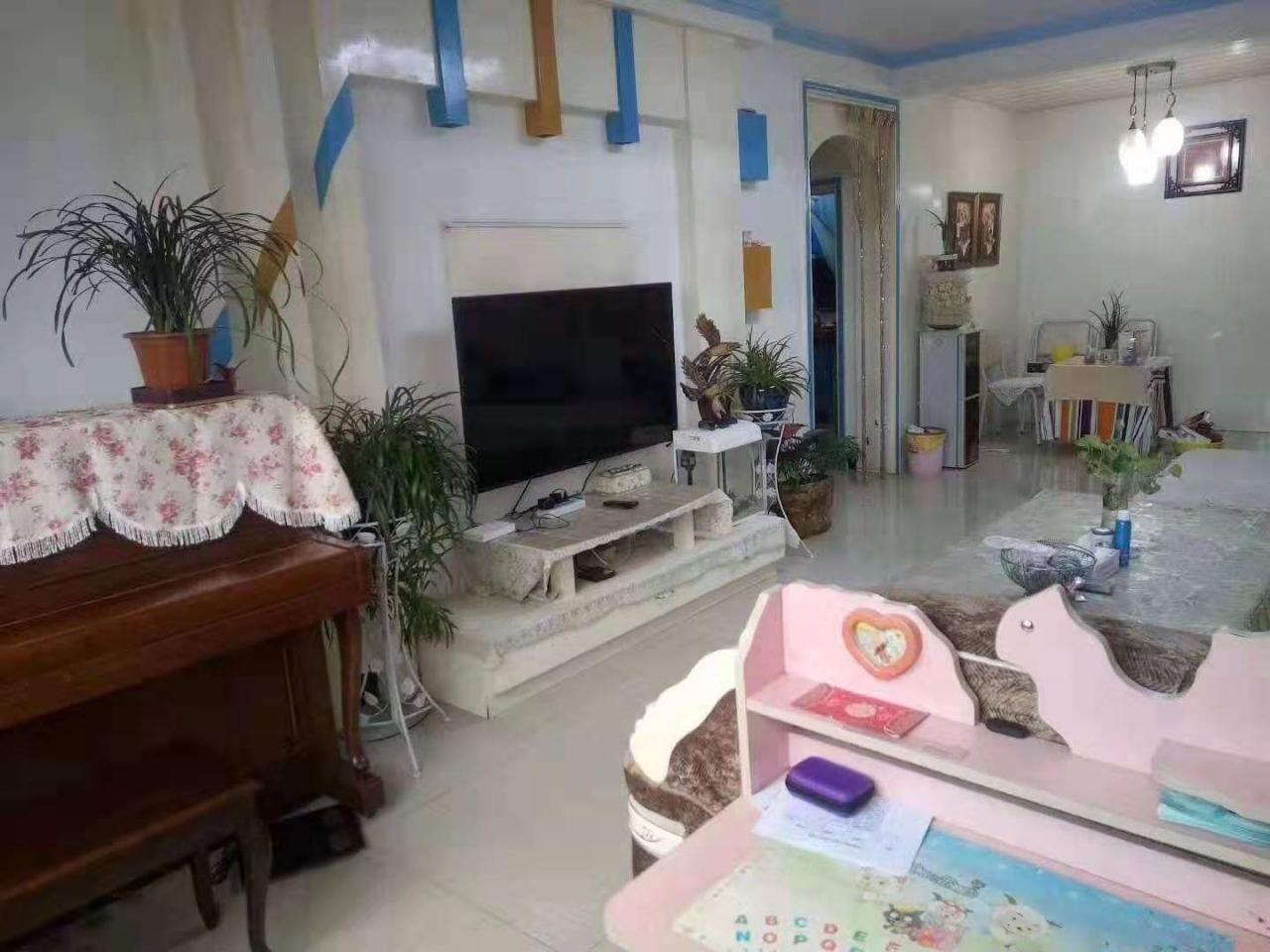 紫江花園3室 2廳 1衛60.8萬元