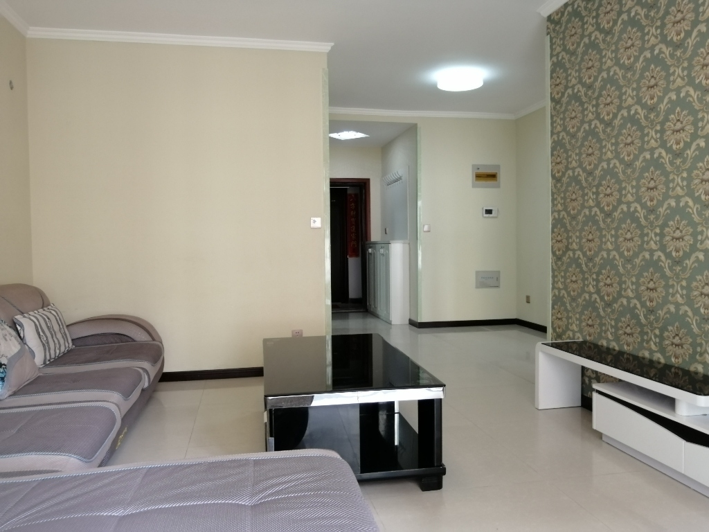 精美兩居室,綠化茂密,戶型方正,可按揭于學校緊鄰