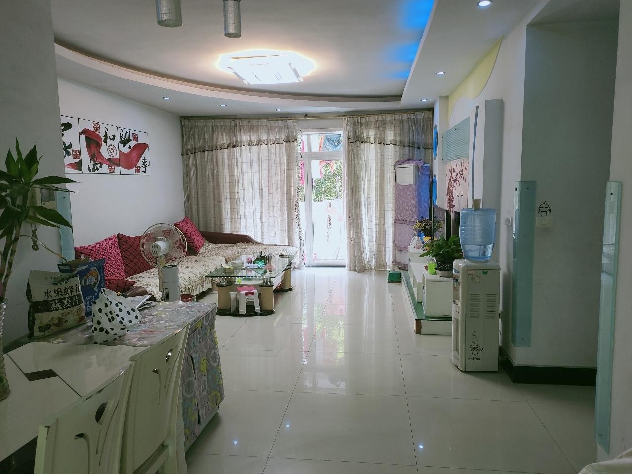 阳光花园3室 2厅 2卫70万元