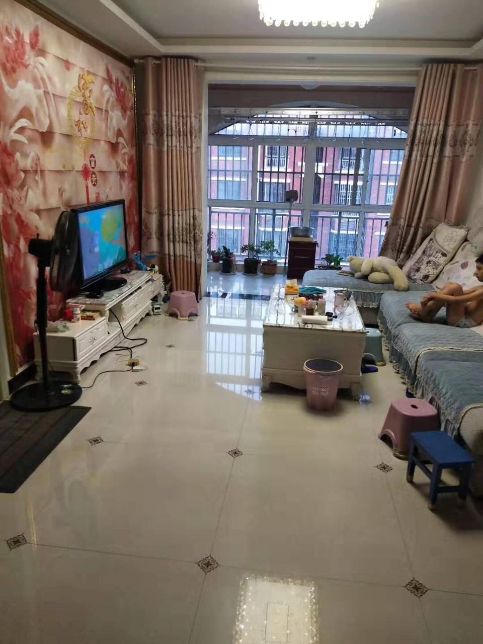 嘉泰·龍城壹號3室 2廳 1衛69萬元