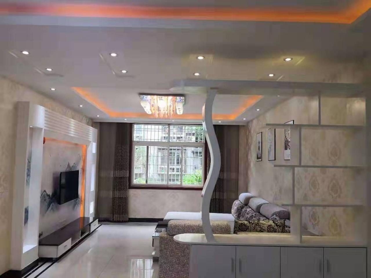 10790龙脊轩抬高一楼精装3室 73万元