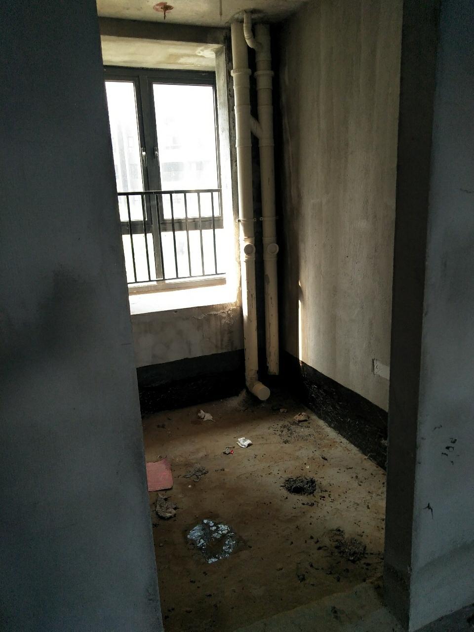锦港华府3室 2厅 2卫92万元