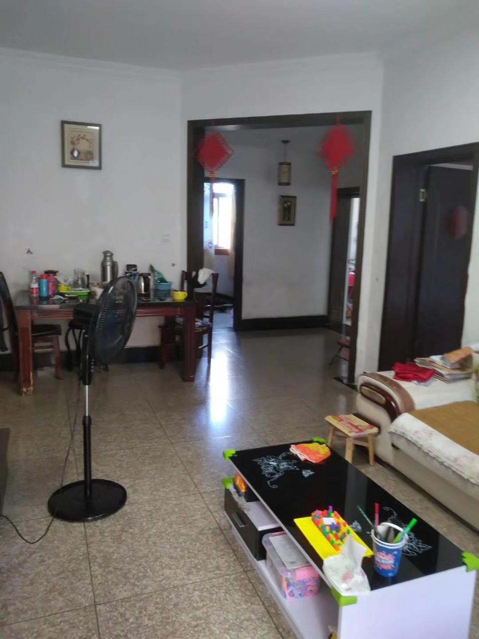 实验学校对面3室 2厅 1卫75万元