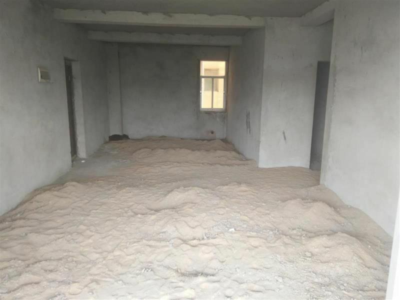 中山苑小区4室 2厅 2卫54万元