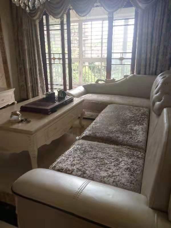 金沙水岸3室 2厅 2卫102万元