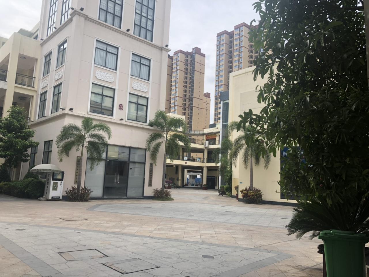 鼎尚广场1室 1厅 1卫68万元