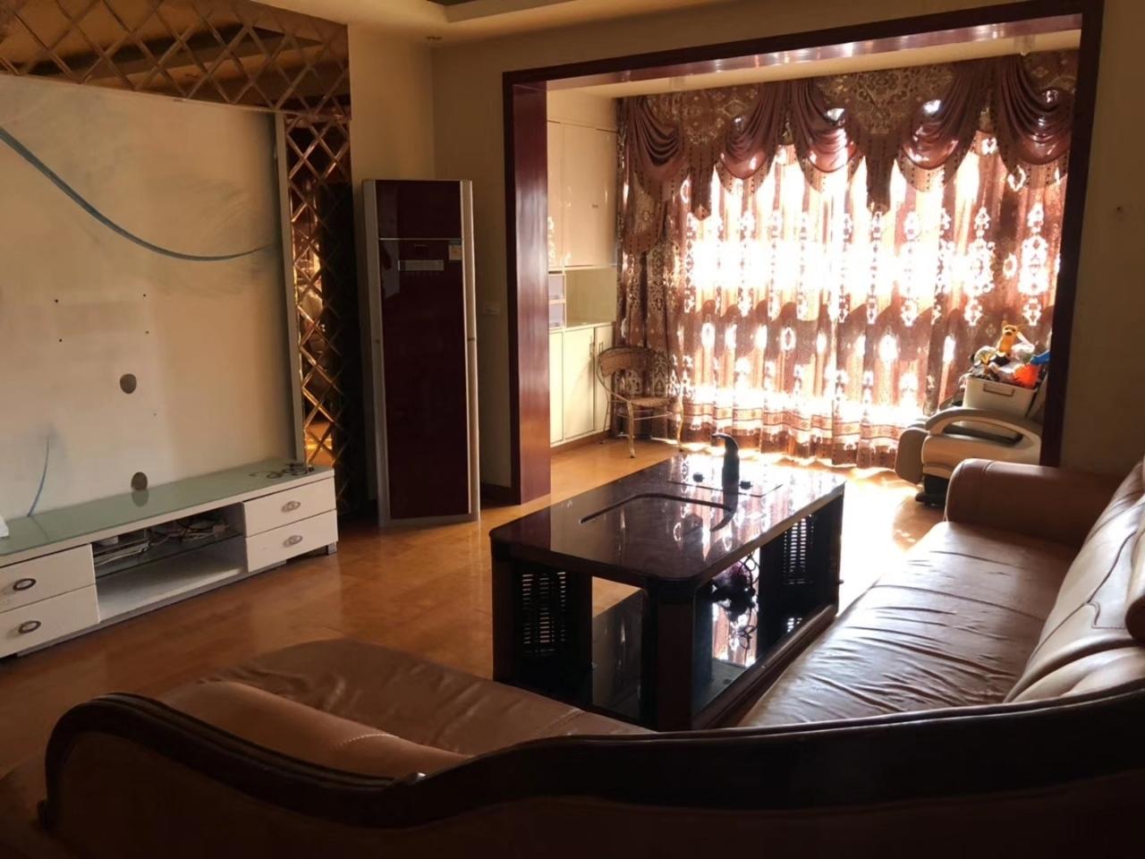 超一·时代广场3室 2厅 2卫99.8万元
