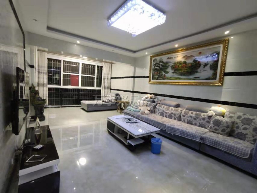 长江国际3室 2厅 2卫76.8万元
