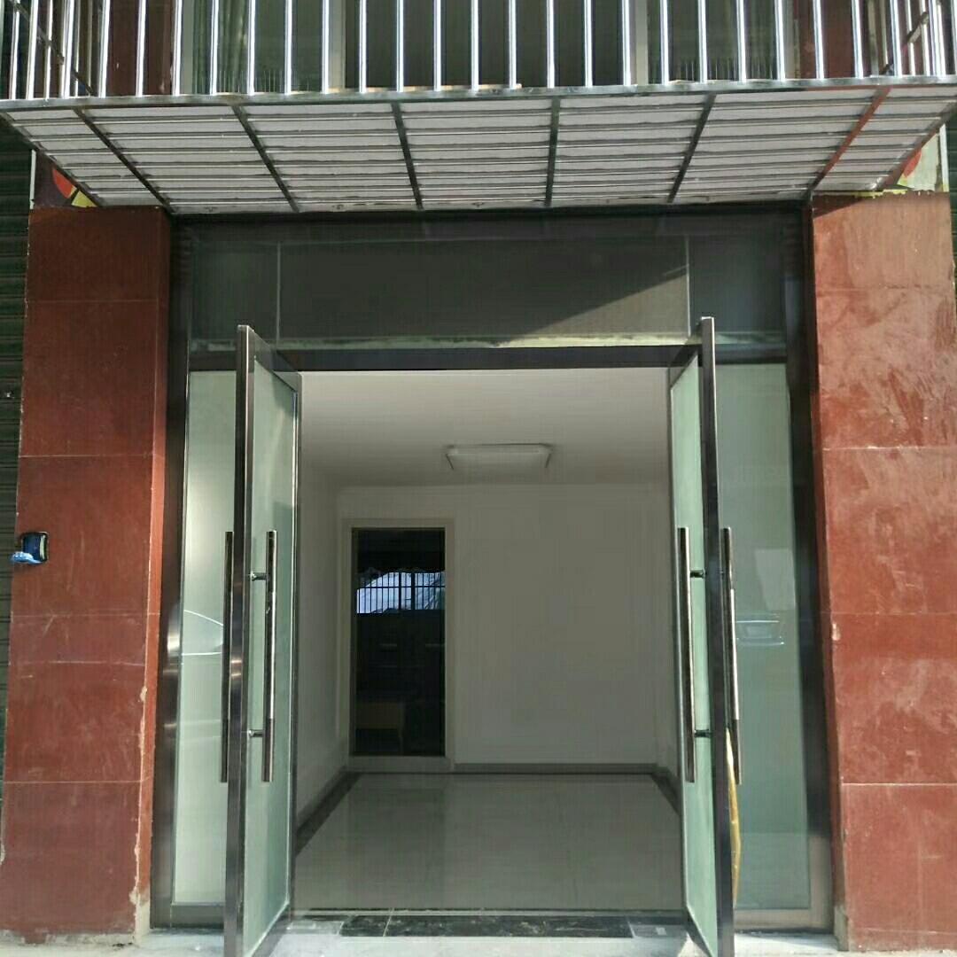 龙锦佳苑4室 2厅 2卫51.8万元