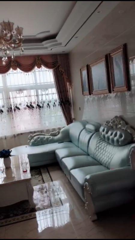 建国新村小区3室 2厅 2卫69万元