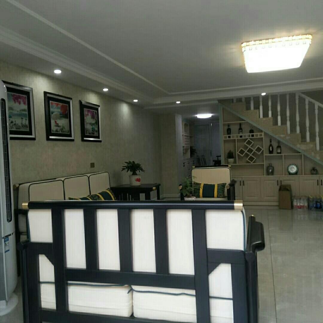 申佳滨湖门市5室 2厅 2卫91.8万元