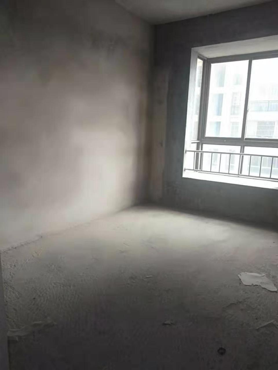 晨龍花園3室 2廳 1衛62萬元