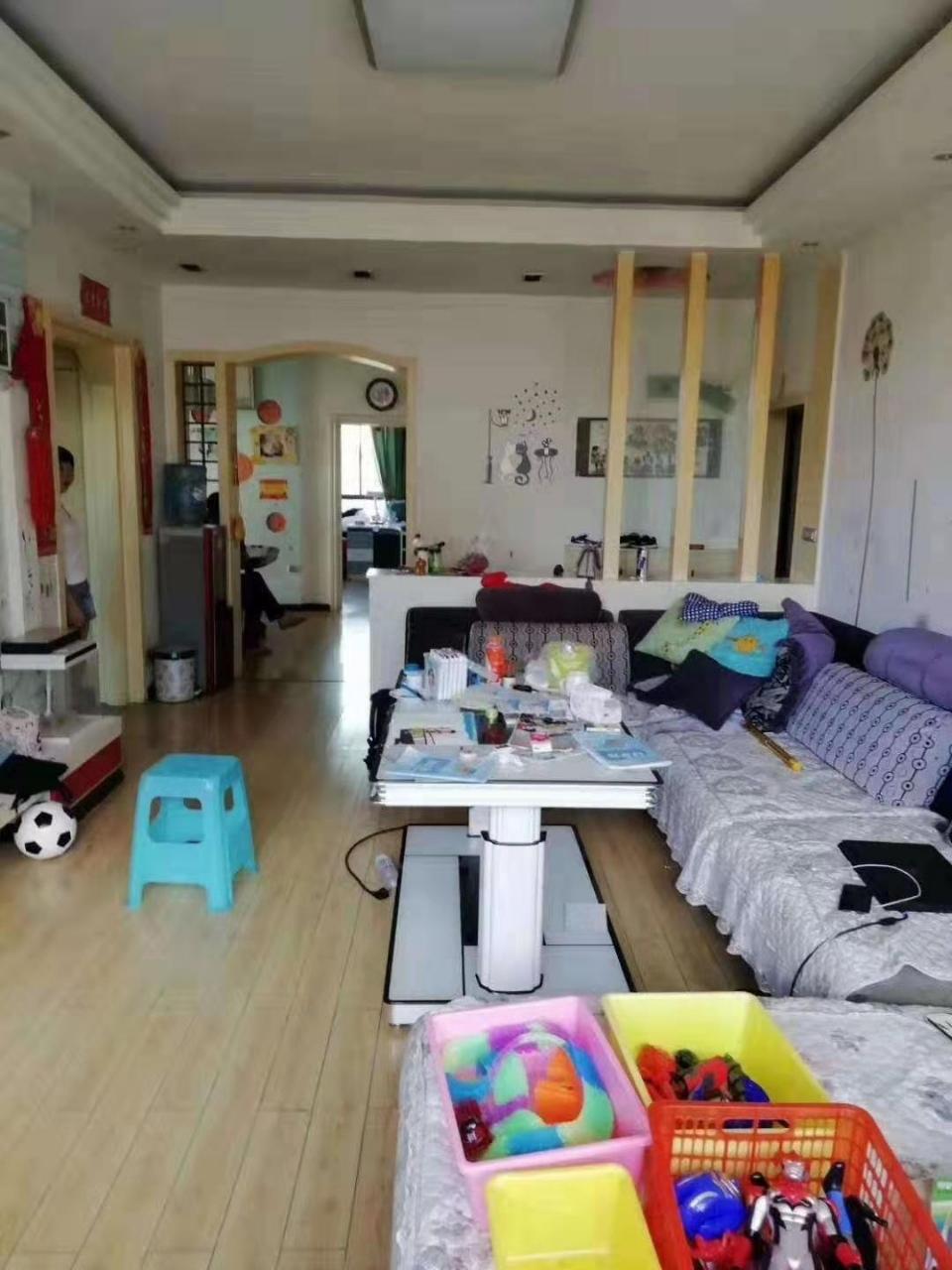 鴻福佳苑3室 2廳 1衛51.8萬元