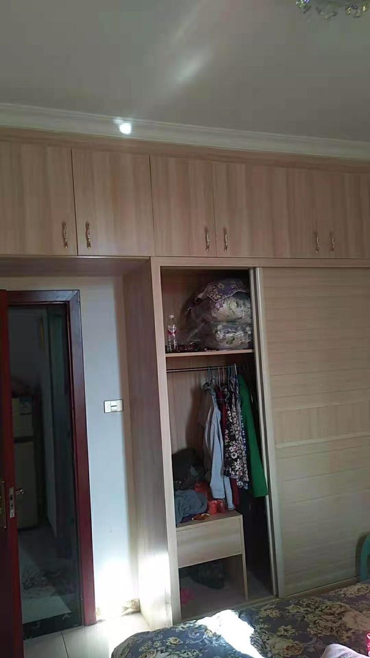 大坪子小區,145平米,4室2廳1廚2衛,精裝修關