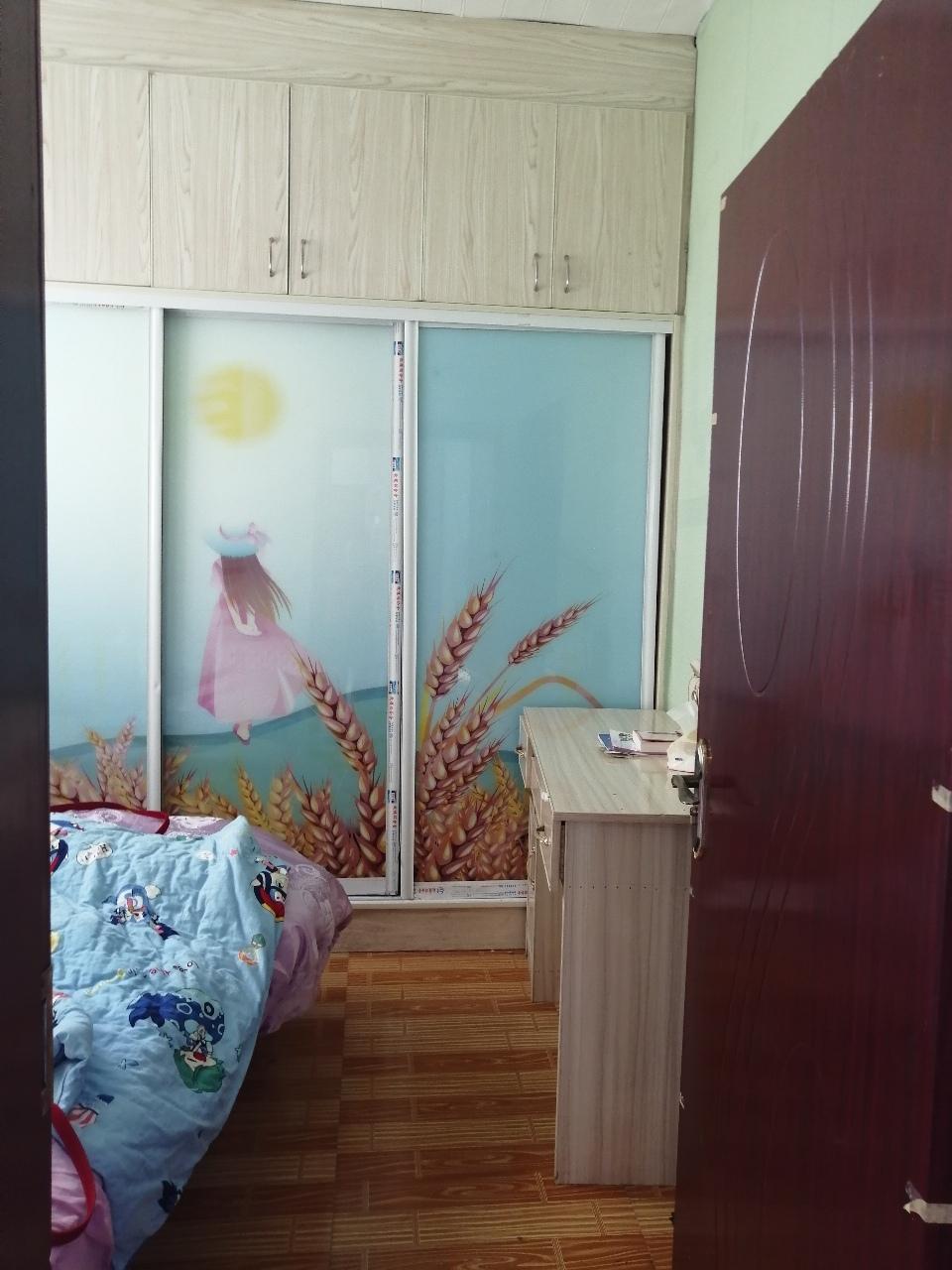 想不到的价格层赶快抢吧,四小附近学区房,加上拆迁户2室 2厅 1卫70万元