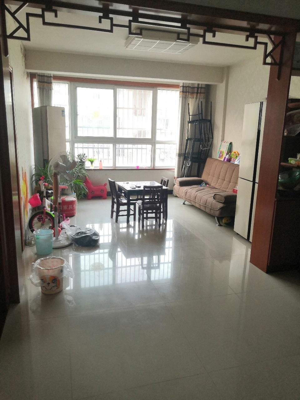 金江学区,凤城小三房出售市中心地段,房东急售买就赚