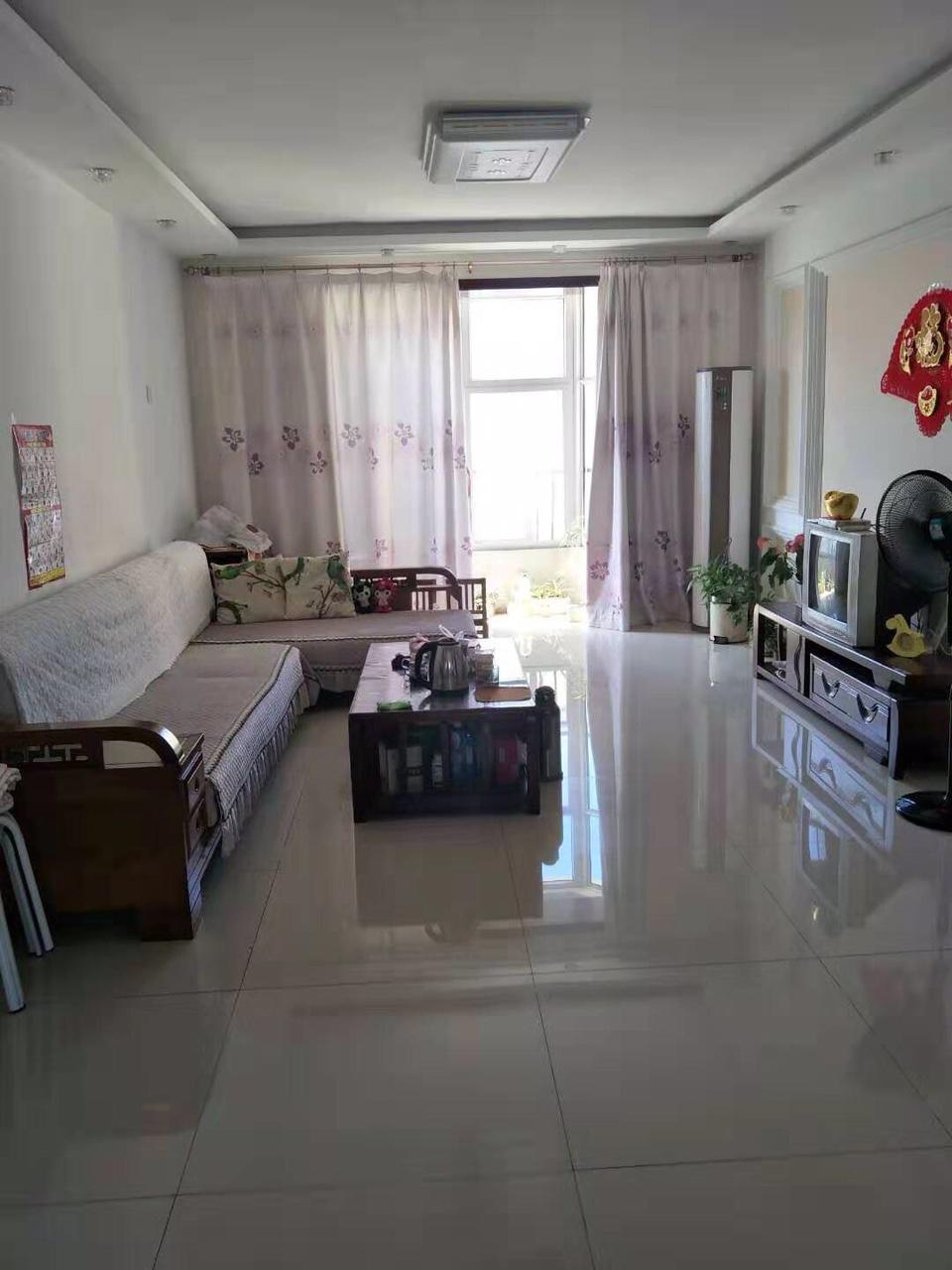 出售高邑千秋小镇3室 2厅 2卫52万元