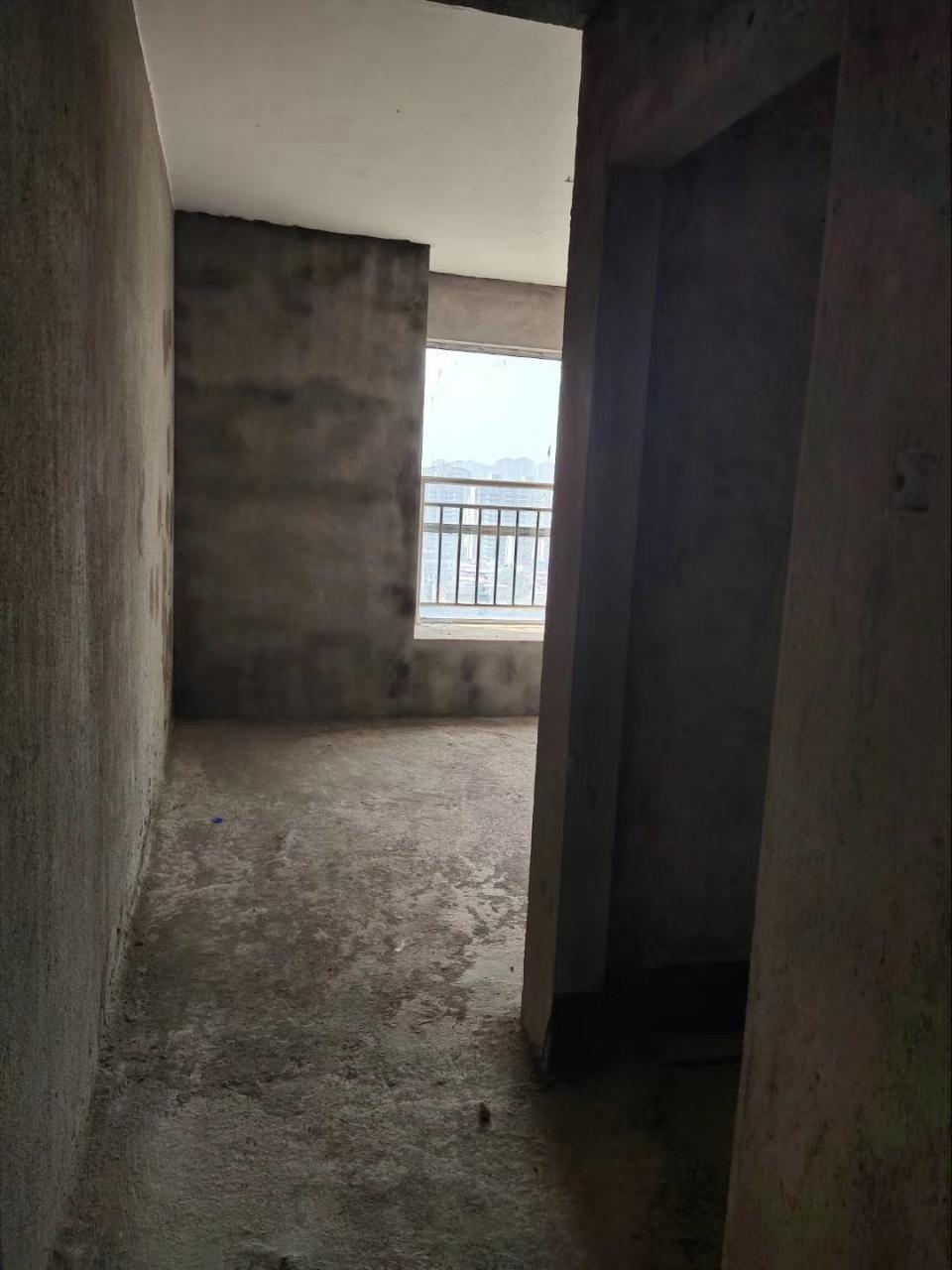 桃江龙城九小学区房3室 2厅 2卫76万元