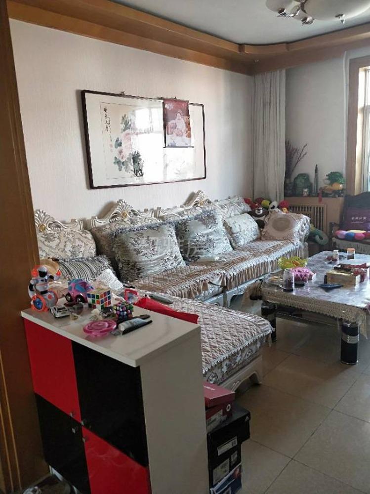 花苑小区144平米,4室 2厅 2卫52万元