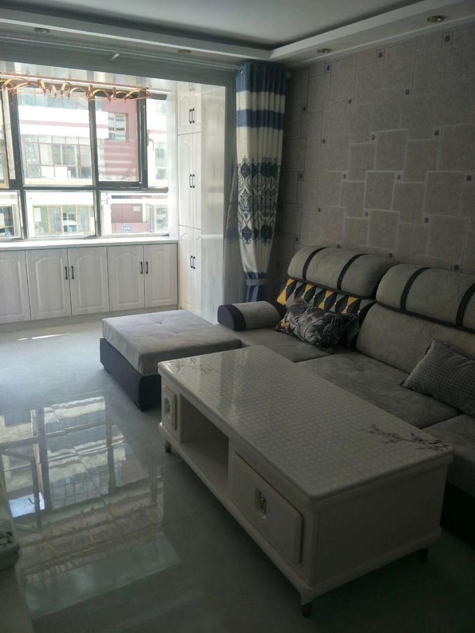 仓后街附近精装房按揭急售3室 2厅 1卫46.8万元