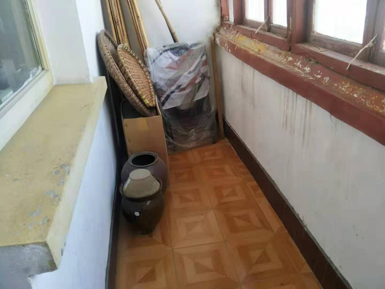 中山商城小区3室 1厅 1卫29.8万元