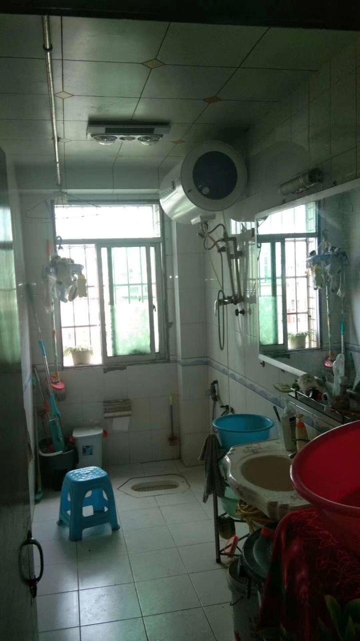 紫江花園3室 2廳 1衛50.8萬元