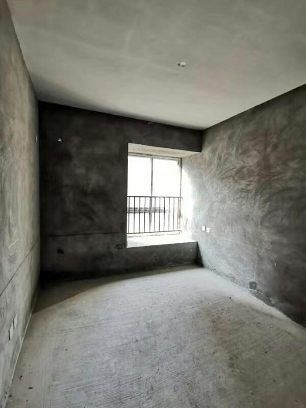 世紀花城 1室 2廳 1衛可改2房 30.8萬