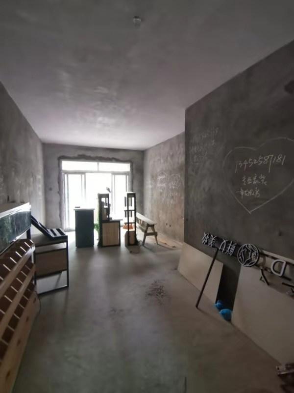 世紀花城2室 2廳 1衛42.8萬元帶露臺