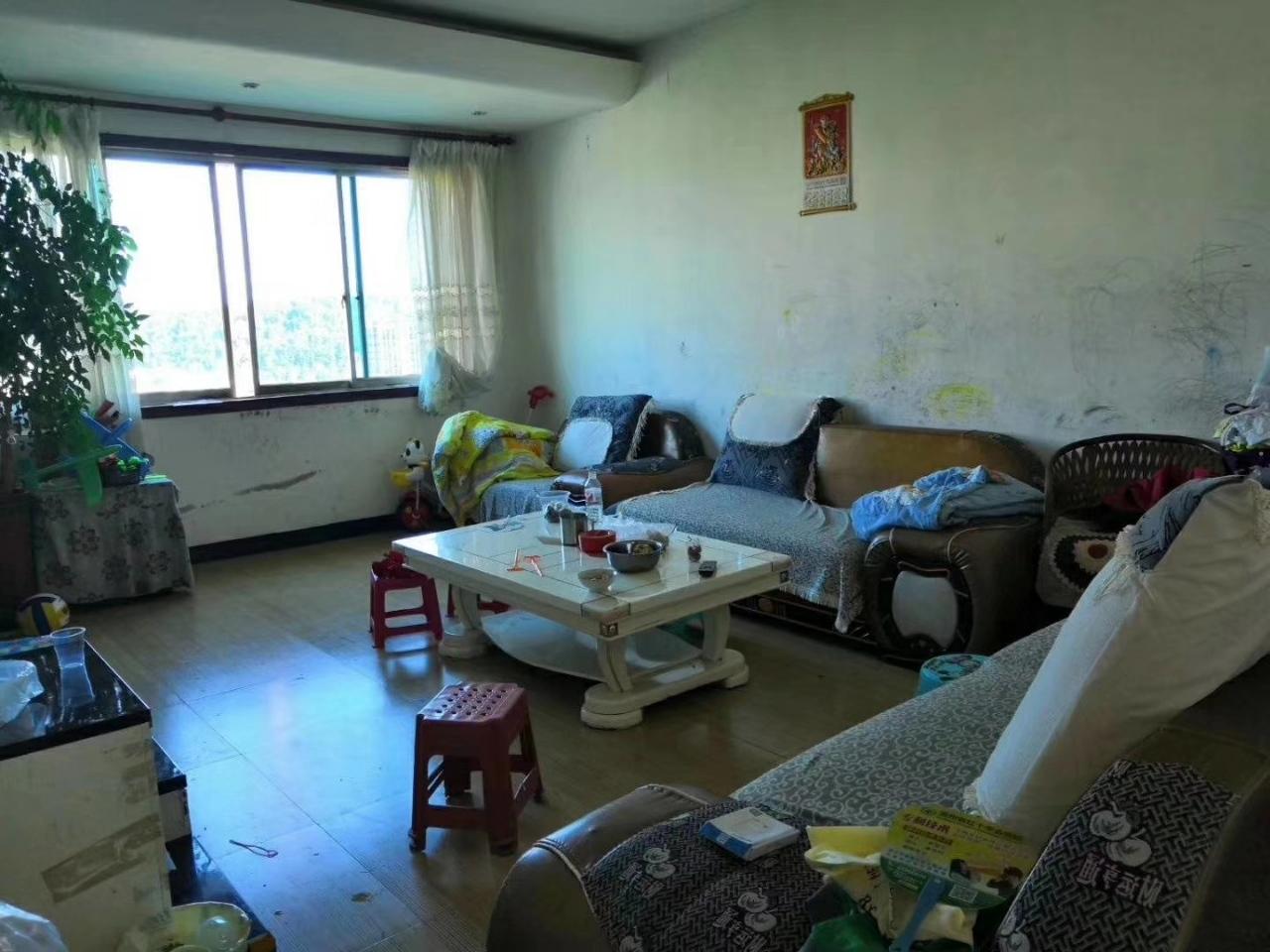 紫江花園3室 2廳 1衛44.8萬元