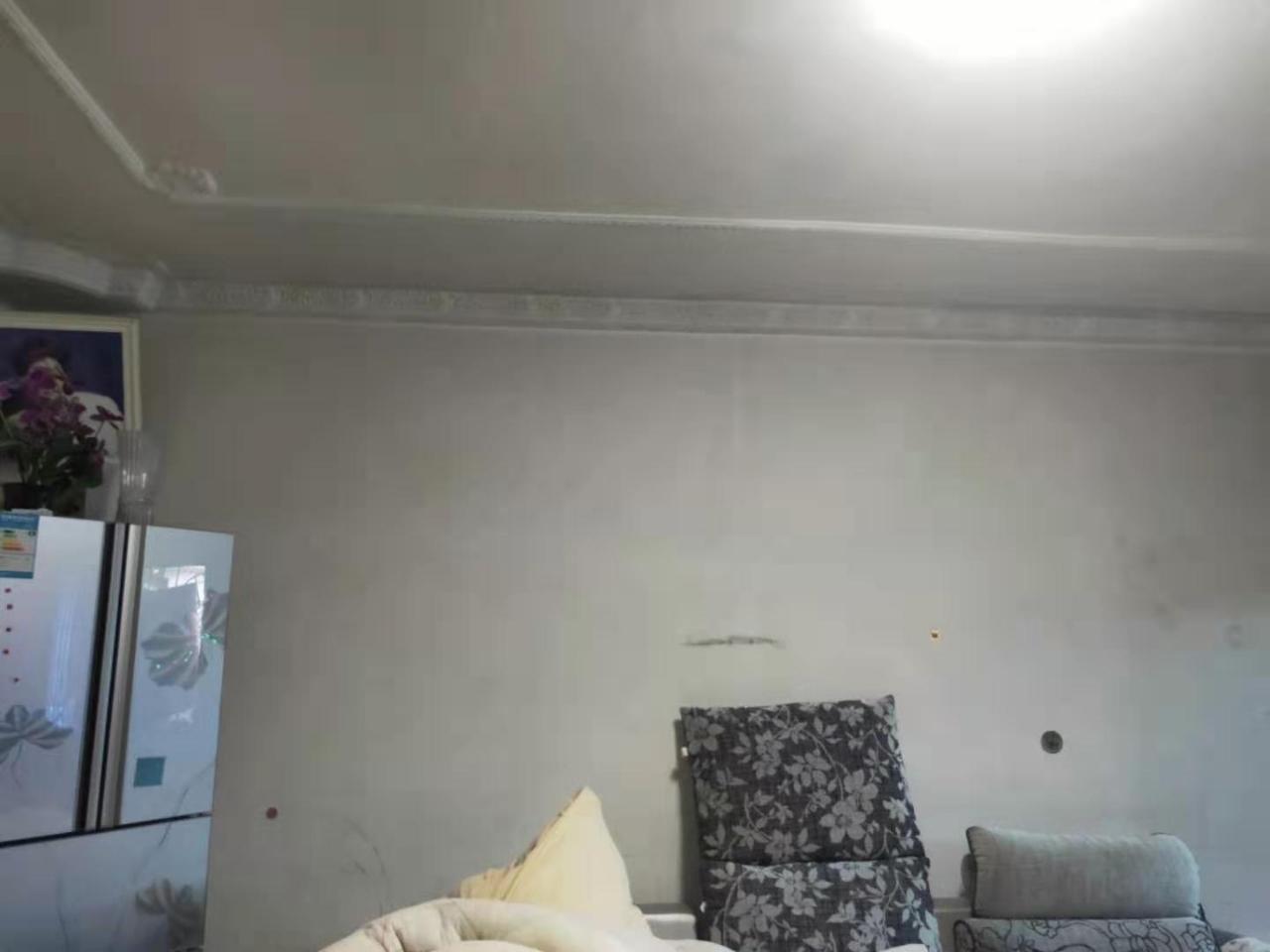 一小3室 2廳 1衛44.8萬元