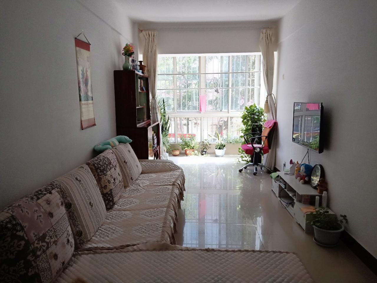 绿岛花园1室 1厅 1卫30万元