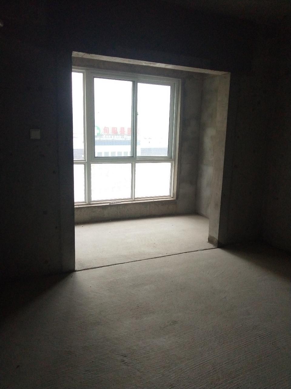 四海一家3室 2厅 2卫18万元