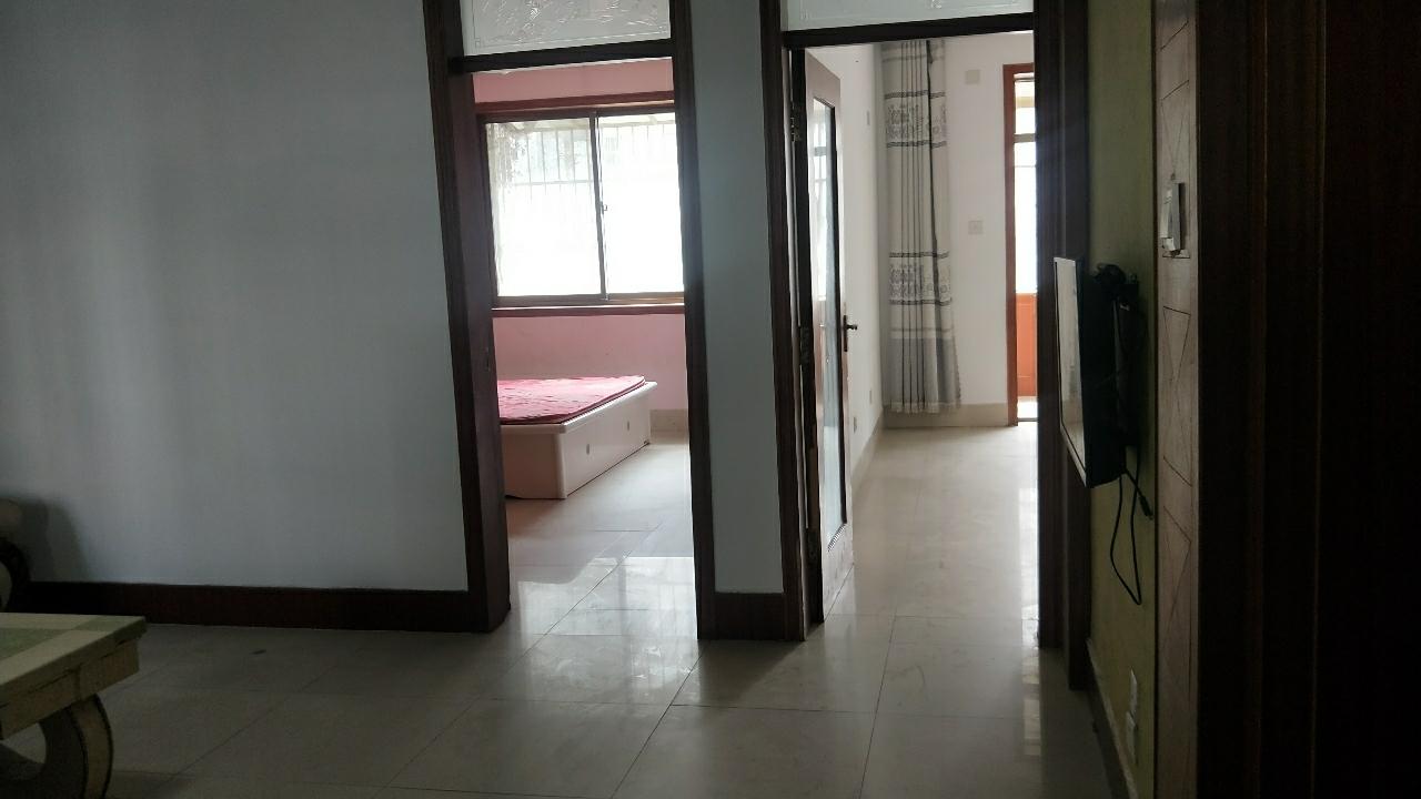 怡園小區3室 1廳 1衛67萬元