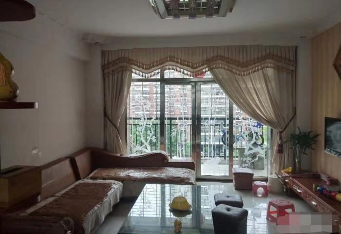 龙凤都城三期97平方,精装3房  户型漂亮  光线