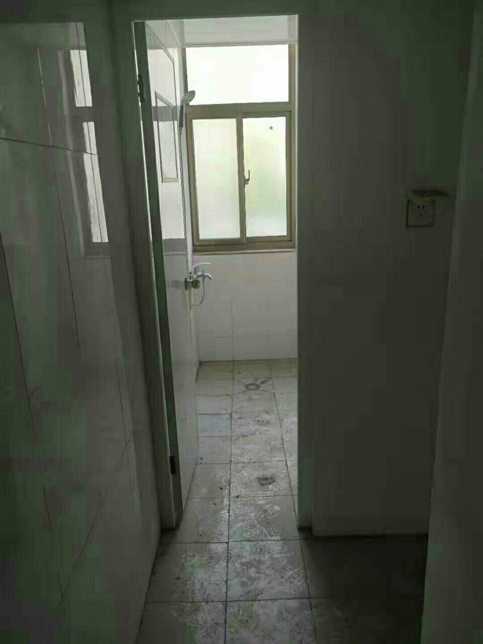 鐘羅山花園3室 2廳 1衛120萬元