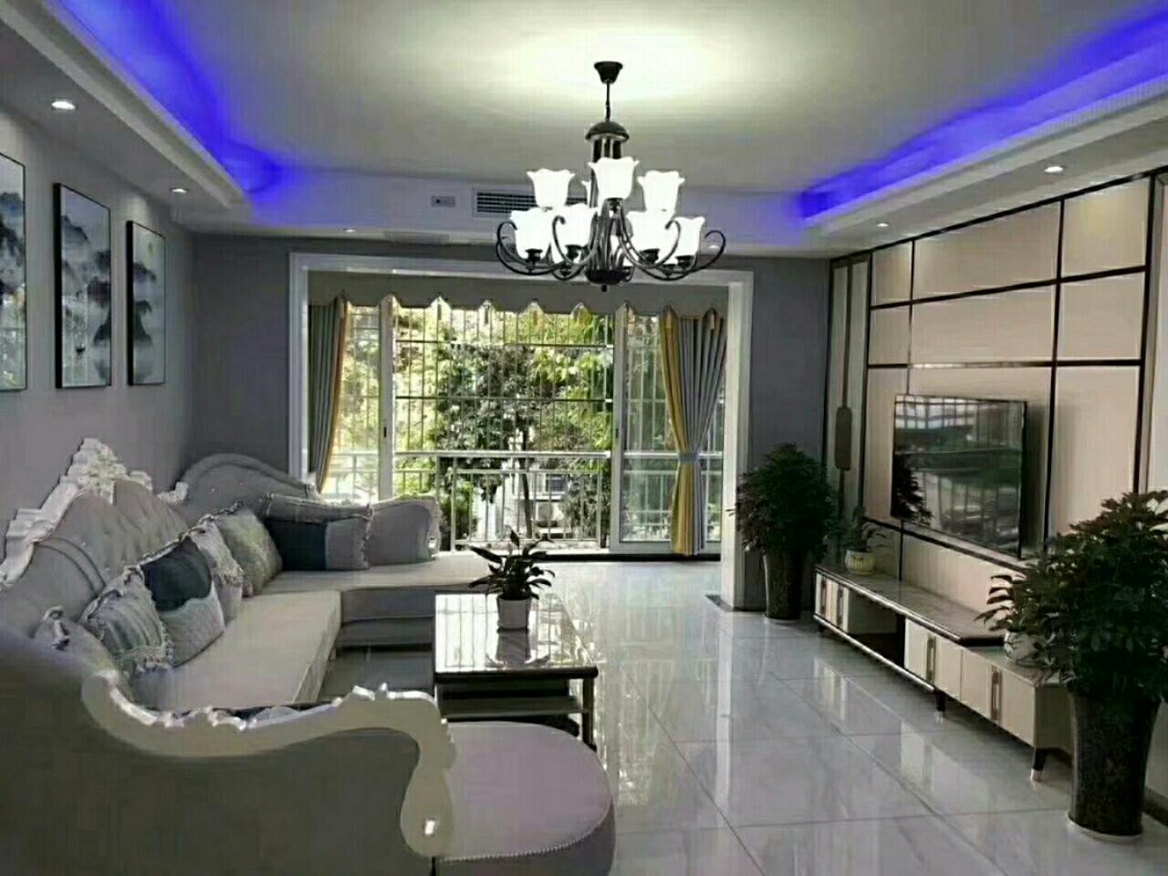 安康芳菲苑2楼黄金楼层出售,精装3室 2厅 2卫