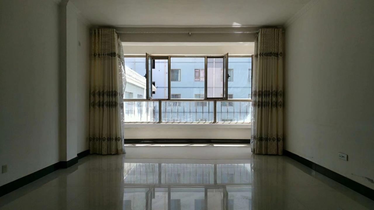 光明園小區3室 2廳 1衛36萬元