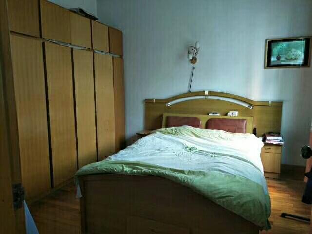龙腾锦城4室 2厅 2卫87万元