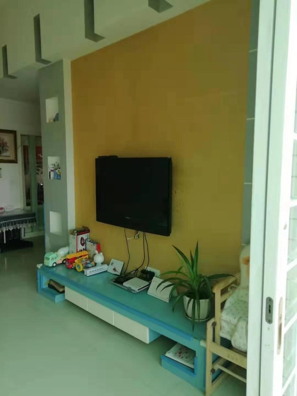 紫江花园3室 2厅 1卫59.8万元