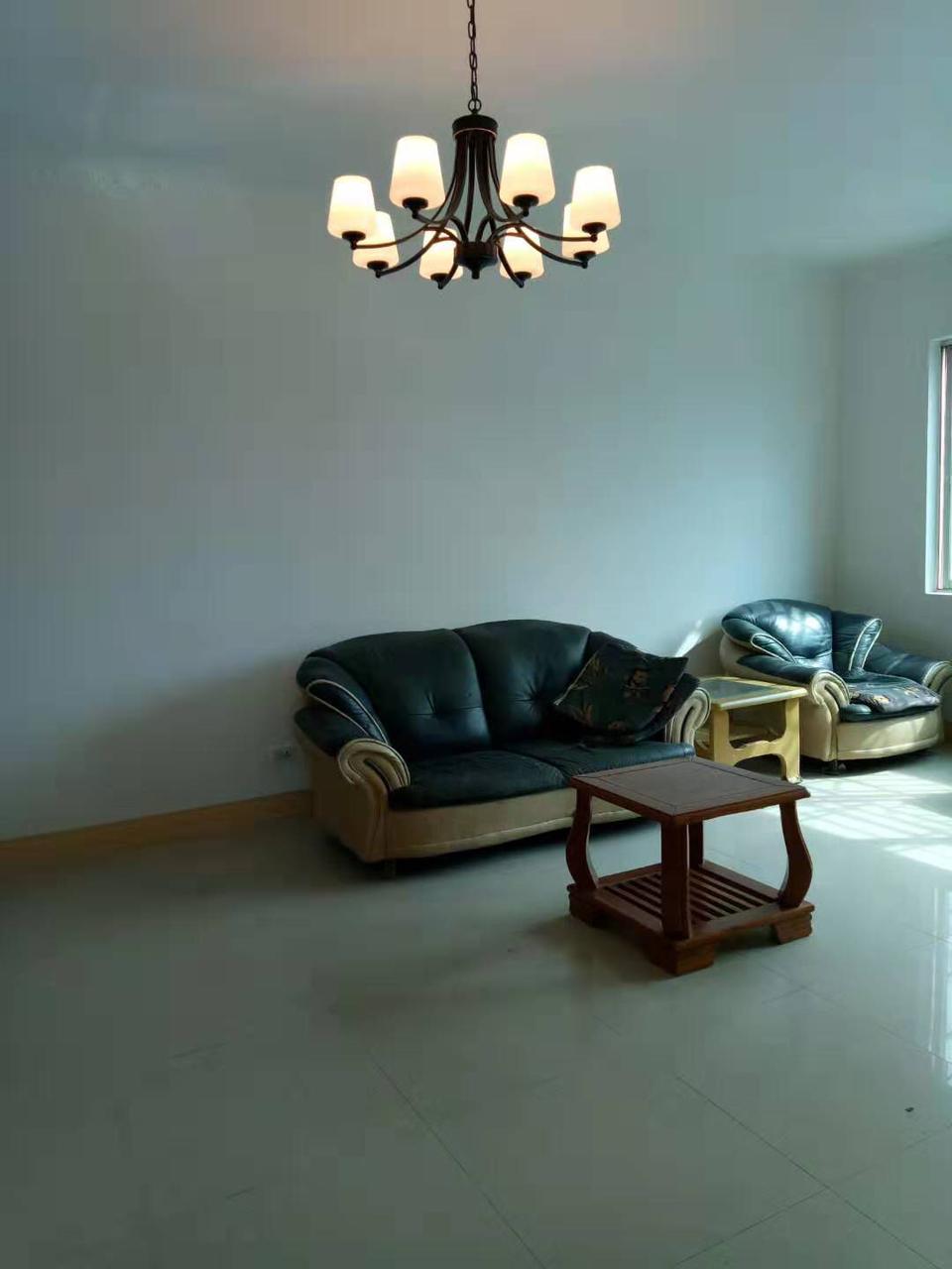 一小3室 2厅 1卫41.8万元