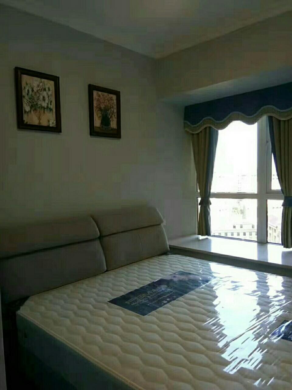 龙庭御景(127盘)4室 2厅 2卫72万元