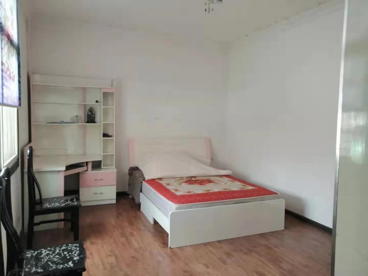 鸿福家园3室 2厅 2卫54.8万元